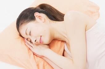 ニキビや肌荒れの原因は布団・枕 の汚れかもしれませんのイメージ